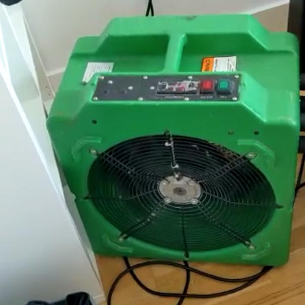 fan-circulating-heat